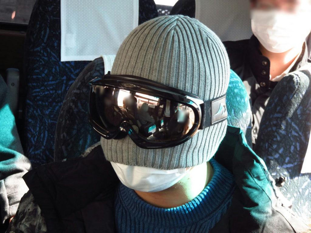 スキー旅行1日目・バス内